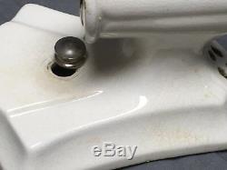 Vtg Pair Ceramic White Porcelain Sconce Light Fixtures Old Bathroom Chic 285-17E