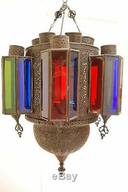 Ancienne Lanterne D'époque Lustre En Kérosène Suspendu À Une Lampe Islamique Suspendue