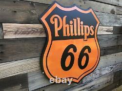 Antique Vintage Old Style Phillips 66 Signe Badge