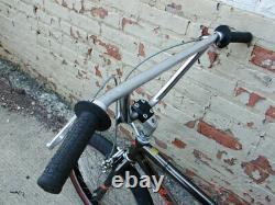 Vieille École Vintage 1985 Schwinn Predator Nighthawk Bmx, Freestyle Bicycle