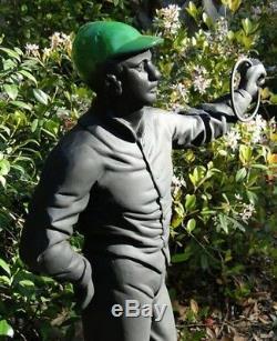 Vieux Équestres Amateurs De Chevaux Pelouse Statue De Jockey Sculpture Réplique D'époque