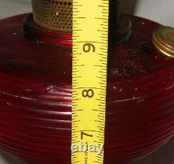 Vintage Antique Aladdin Ruby Red Beehive Oil Lampe W Modèle Original B Burner Old