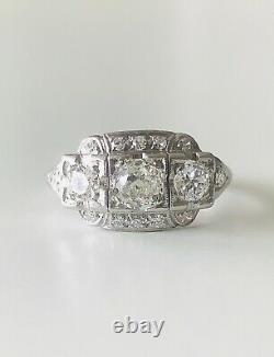 Vintage Art Déco Diamond Ring Platinum Avec Une Vieille Mine Coupée Taille Diamant 5.75